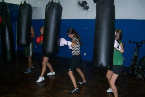 Mulheres já são maioria nas aulas de boxe da cidade