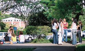 Mulheres representam 52% do total de universitários da UFJF