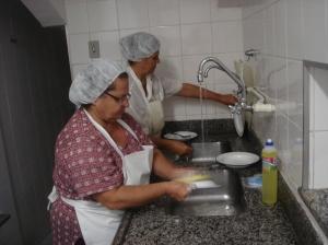 Rita trabalha na cozinha da Sopa dos Pobres
