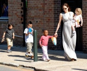 Jolie: famosa por adotar crianças de países subdesenvolvidos