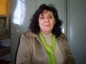 Iêda, vice-diretora da escola, acredita na importância cultural das festas.