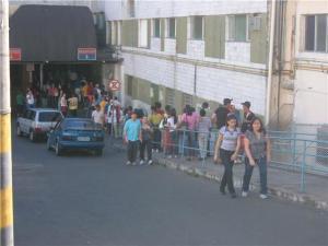 Em pleno no domingo filas no HPS, hospital público mais movimentado da cidade