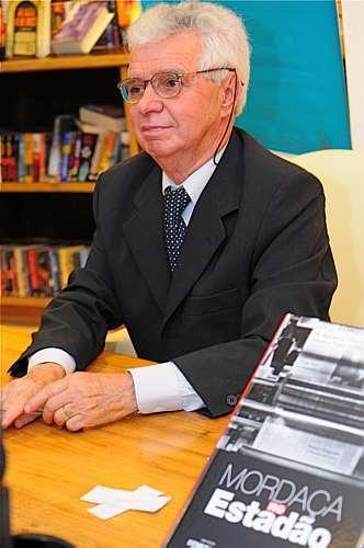 O escritor José Maria Mayrink: jornalista atuante nos tempos do AI-5