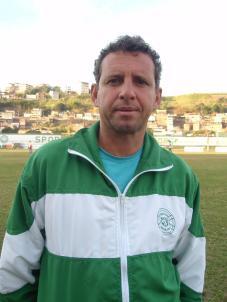 Guto Carvalho, treinador da equipe juvenil