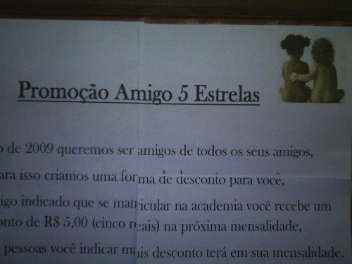 Em uma academia do bairro São Mateus, quem leva um amigo pra malhar ganha desconto nas mensalidades