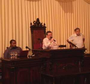 Josué Franco (esq.) e Murilo César (dir.) apresentaram as primeiras discussões da Conferência