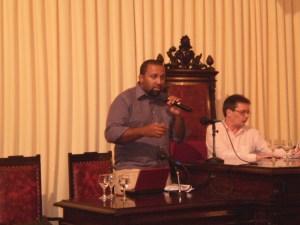 A discriminação aos negros na mídia foi um dos assuntos abordados por Josué Franco