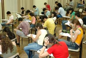 O vestibular é o processo seletivo mais comum entre as universidades