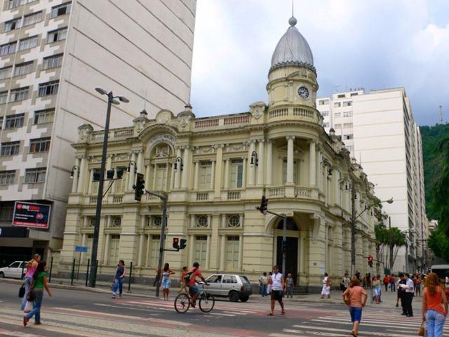 Vereadores Vão às Ruas para Fiscalizar Leis